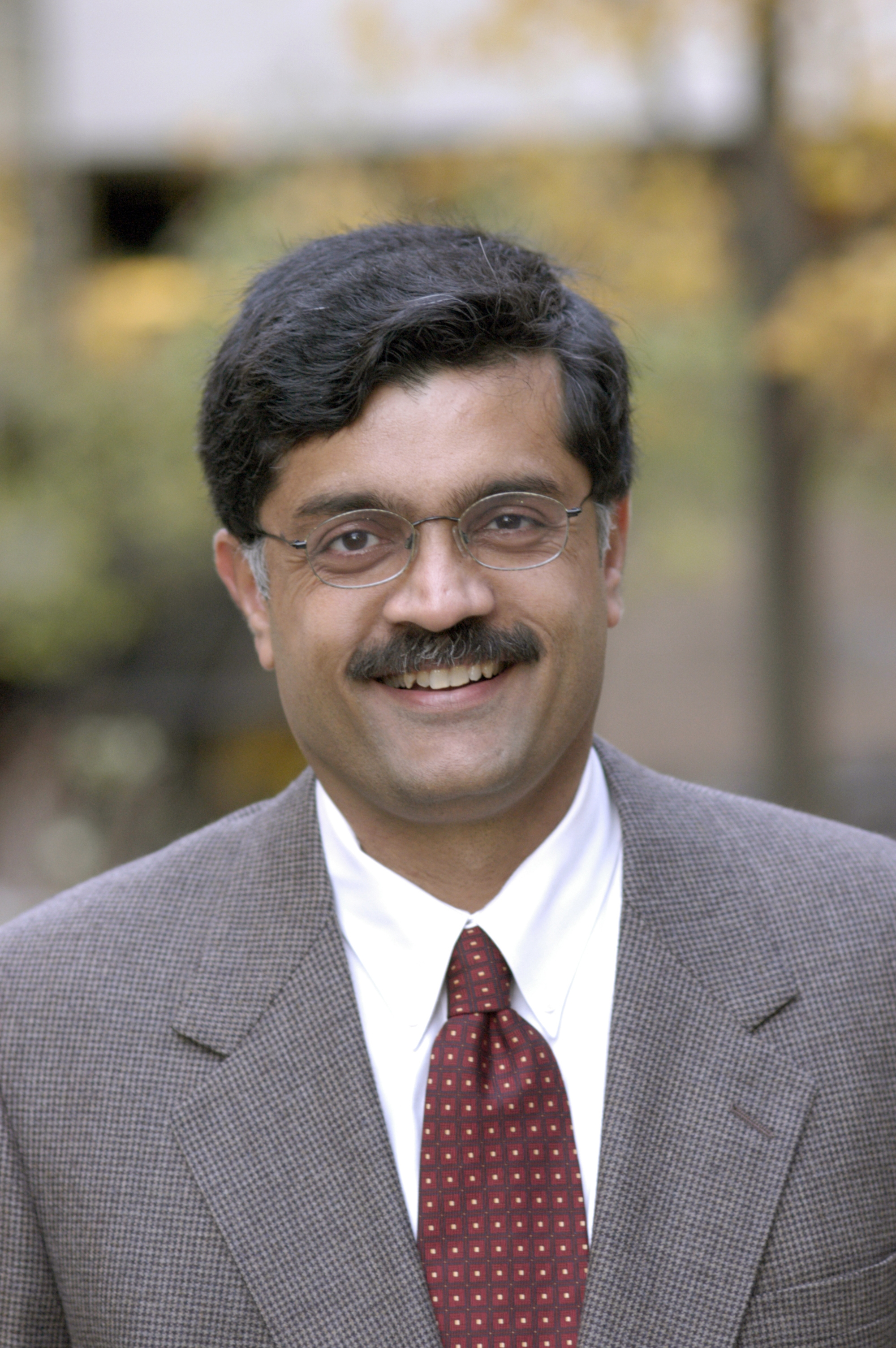 Author Photo (jpg): Venkat Ramaswamy - 8071_68625954_hr