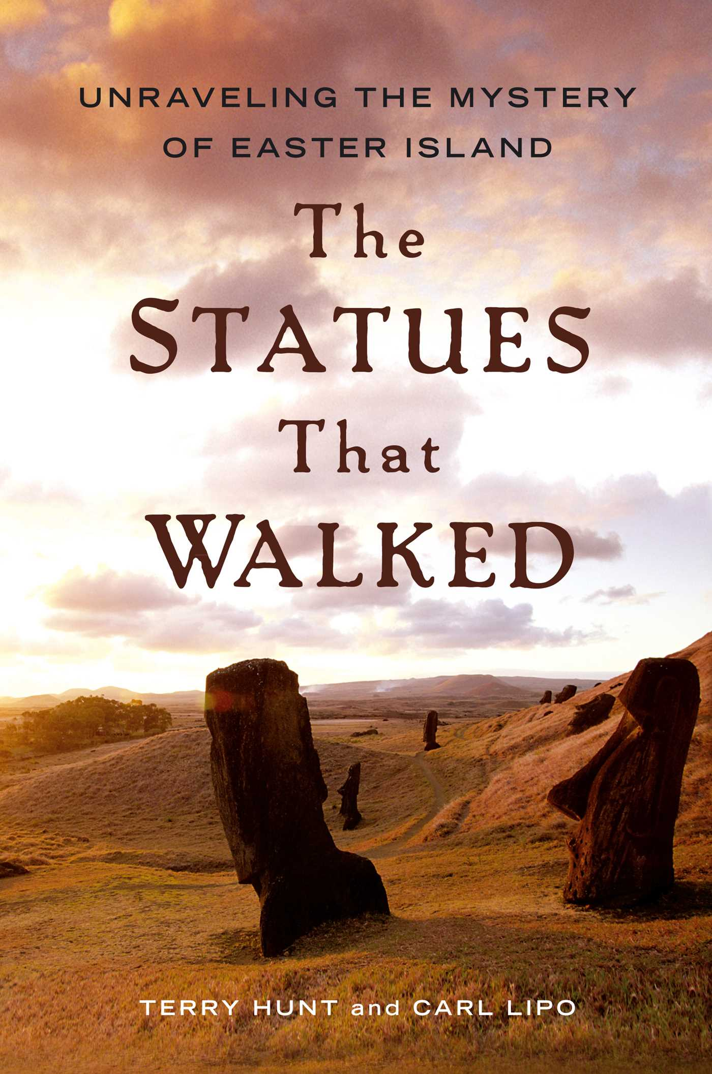 The statues that walked 9781439154342 hr