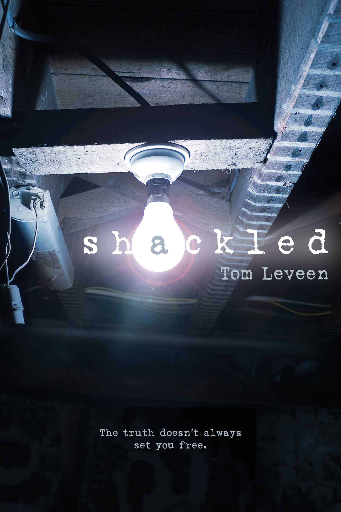 Shackled 9781481422505 hr