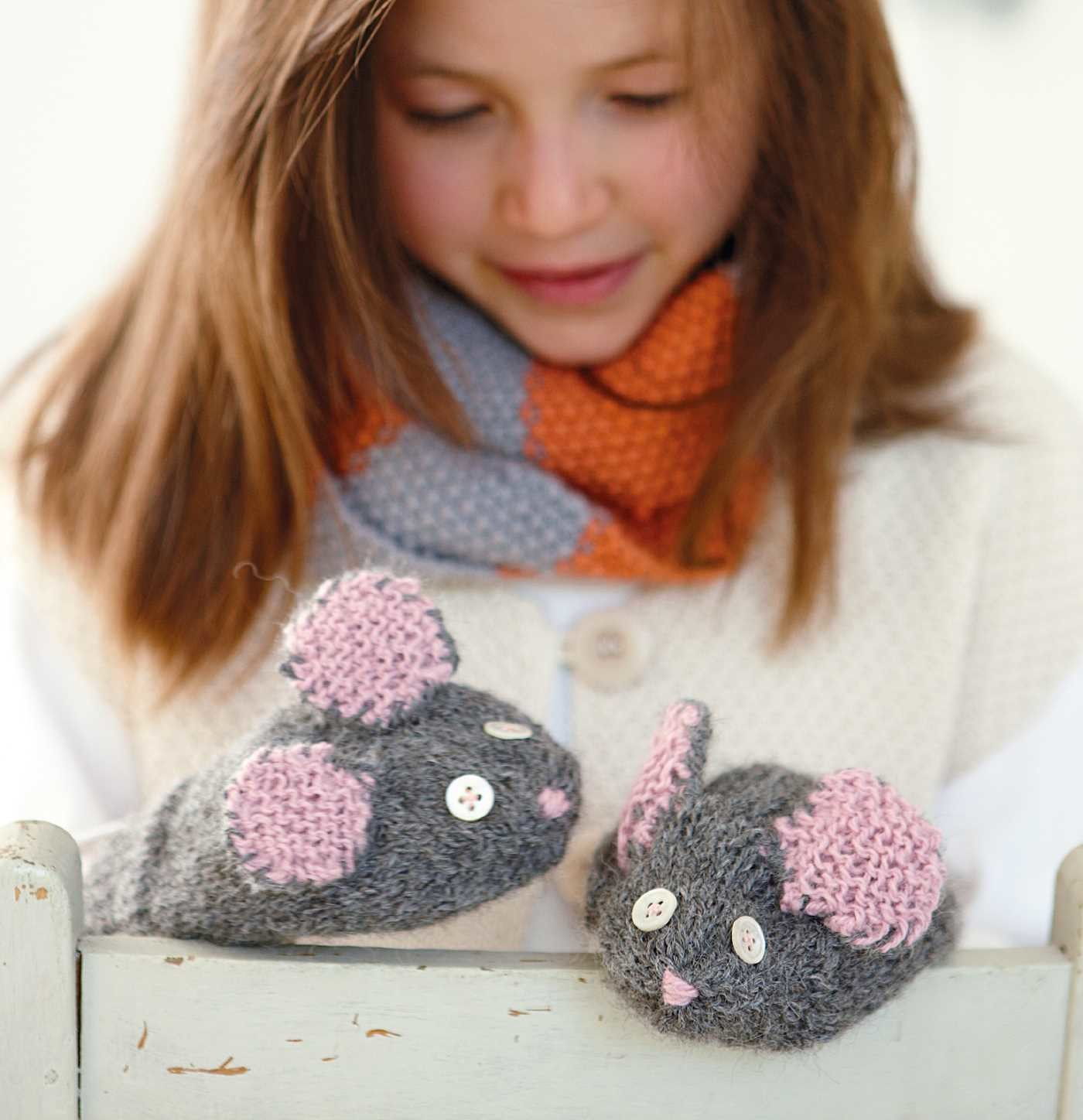 Knitting for children 9781782494614.in02