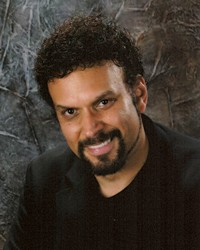 http://d28hgpri8am2if.cloudfront.net/author_images/10429/neal-shusterman-1531698.jpg