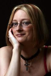 Larissa Ione