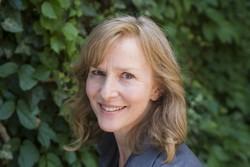 Leslie Daniels