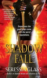 Shadow fall 9781501100277