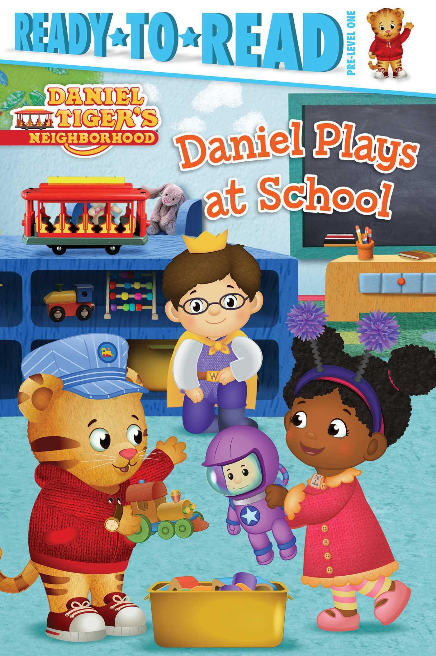 Daniel plays at school 9781481461023 hr