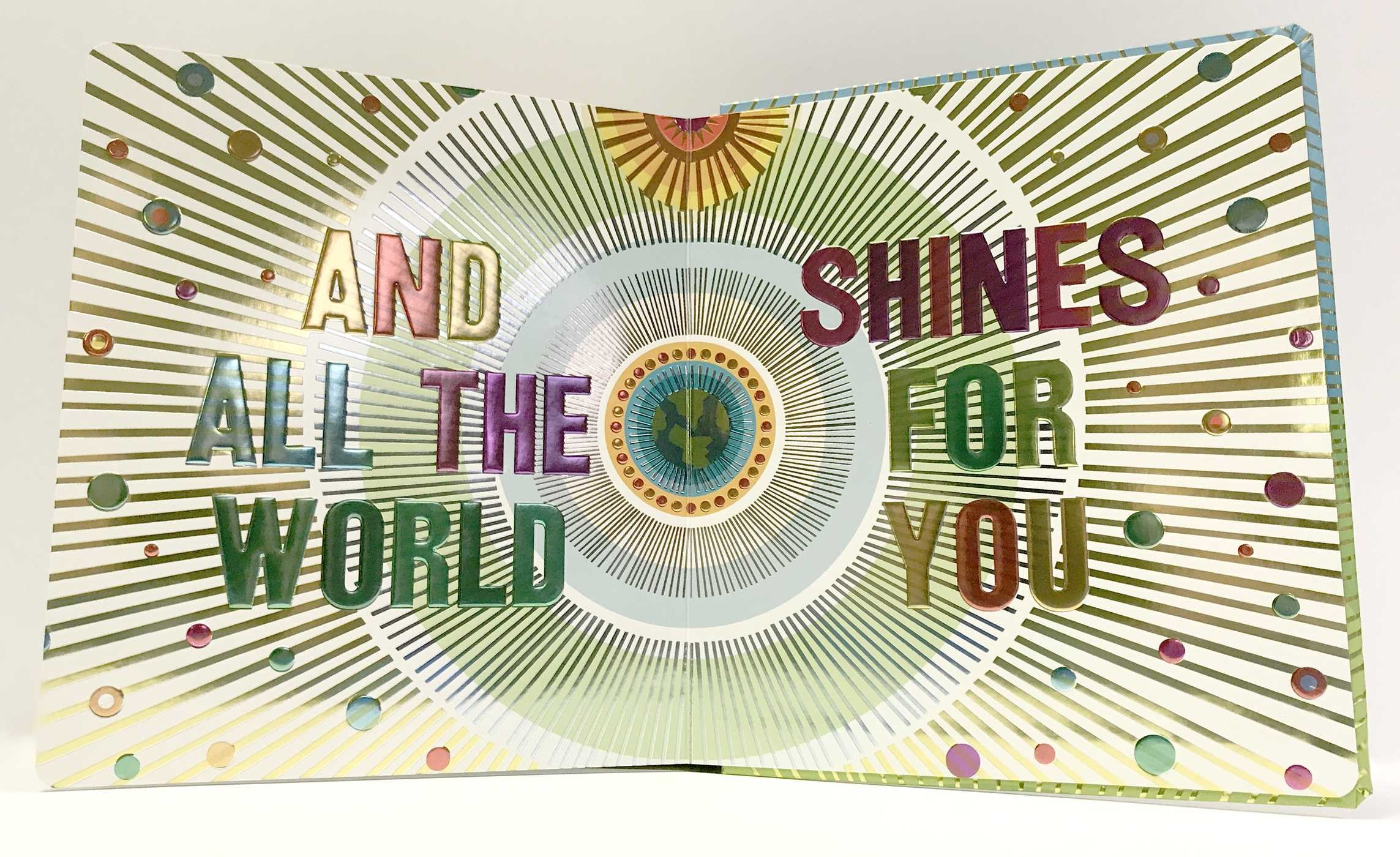 The world shines for you 9781481496322.in09