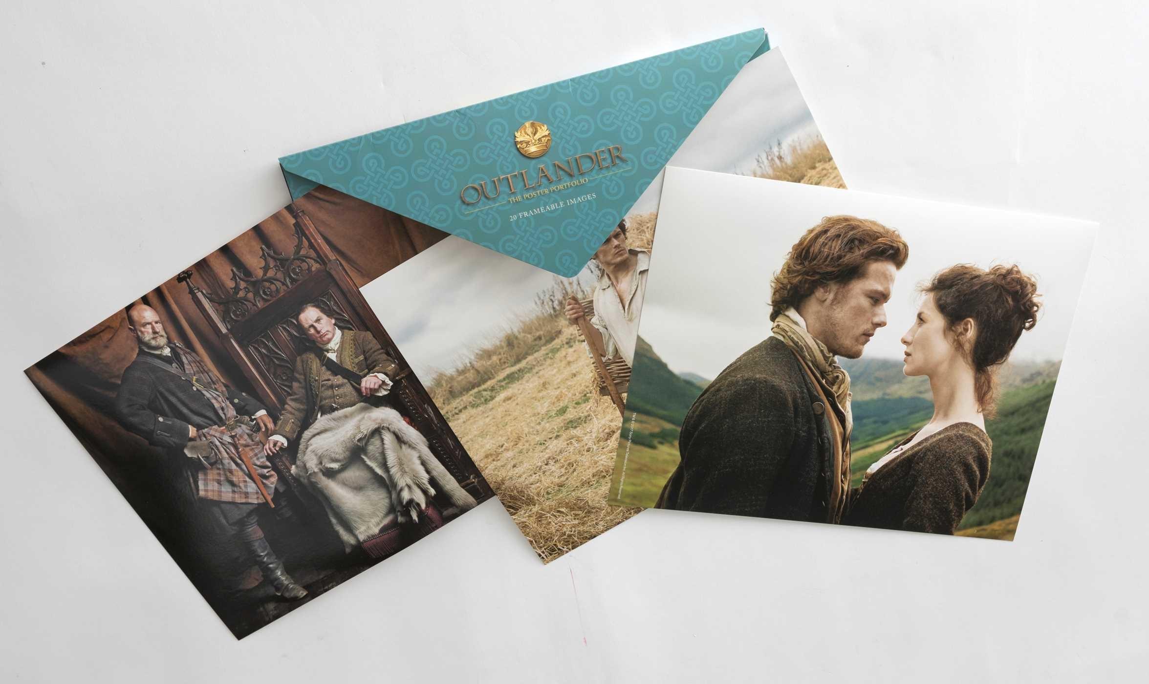 Outlander the poster portfolio 9781683831525.in08